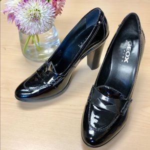 EUC GEOX black patent leather heel loafers